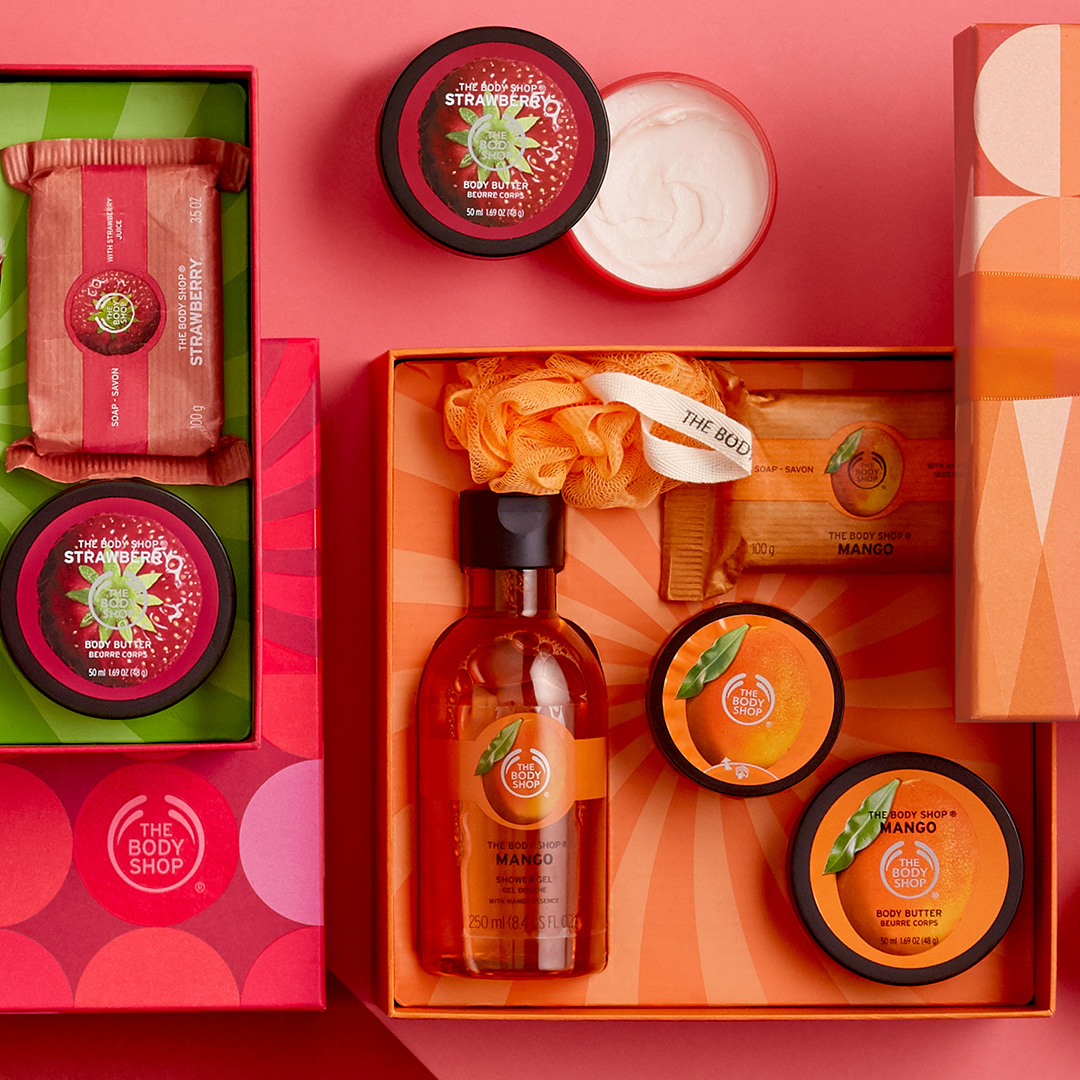 Christmas_Carousel_Gifts_4