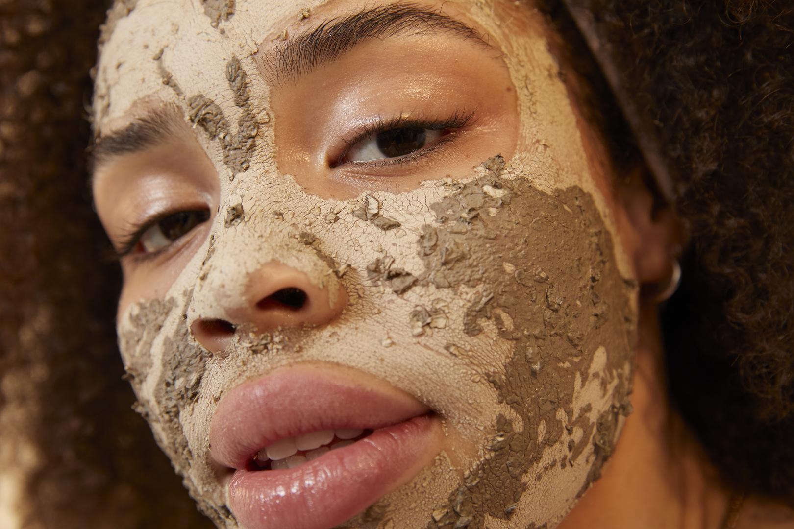 Égő arc a maszk után a badyaga-ból
