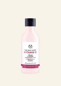 E-vitaminos krémes arctisztító